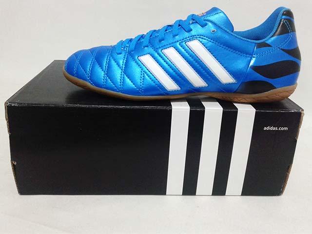 b15488c53 Sepatu Futsal Adidas 11Questra IN M17750 Solar Blue White Black Harga: Rp.  479.000 Rp. 217.000. Tersedia : - 1 Pasang Ukuran 43 1/3